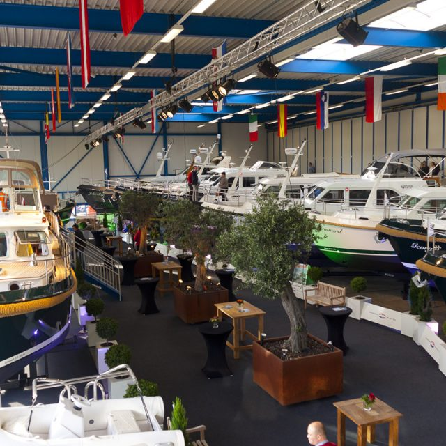 Yacht Showroom